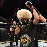 AKTUÁLNE: Dominantný UFC šampión Khabib Nurmagomedov oznámil po emotívnej výhre koniec kariéry!